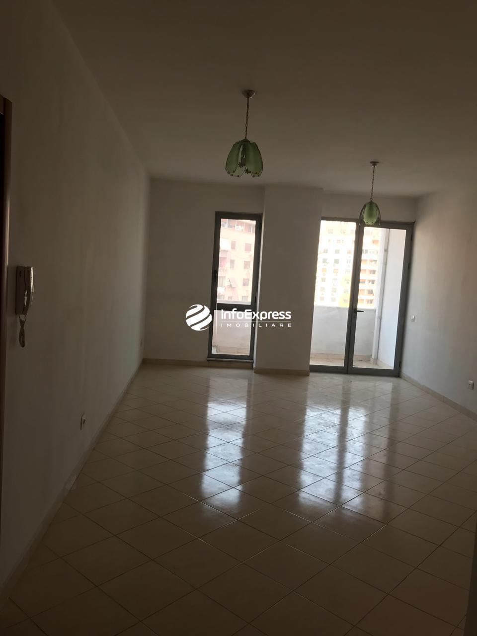 TRR-0618-1348 Jepet me qera apartament 1+1 ne qender prane  mullirit te  vjeter