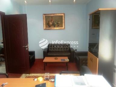 TRR-815-193 Zyre me qera ne Bllok ne rrugen Vaso Pasha