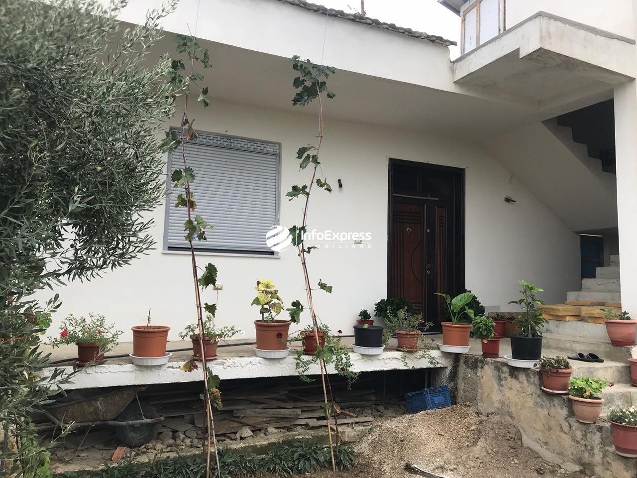TRS-0419-1503 Shitet shtepi private ne Yrshek.