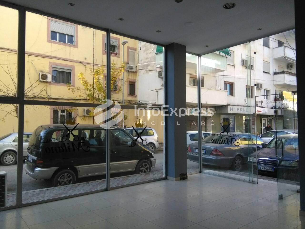 TRR-1117-782 Jepet me qera dyqan prane Tiranes  Re