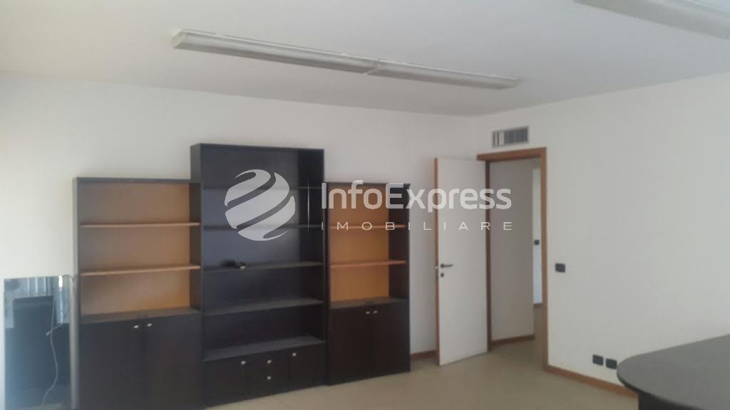TRR-417-652 Ambjent per zyra me qera ne qender te Tiranes