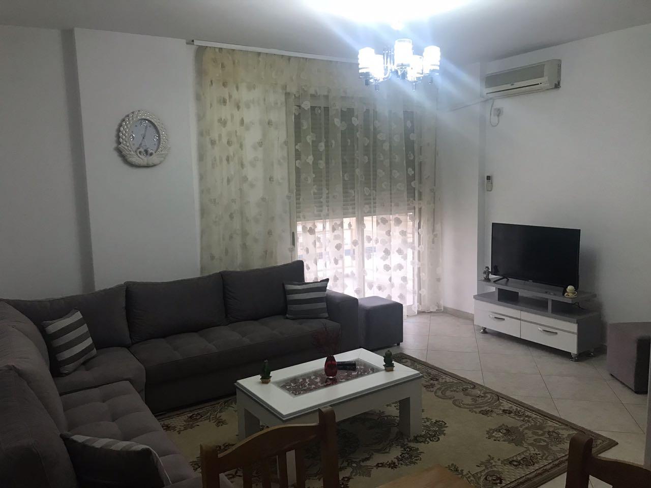 TRR-0618-1065 Jepet me qera apartament 2+1 tek rruga e kavajes