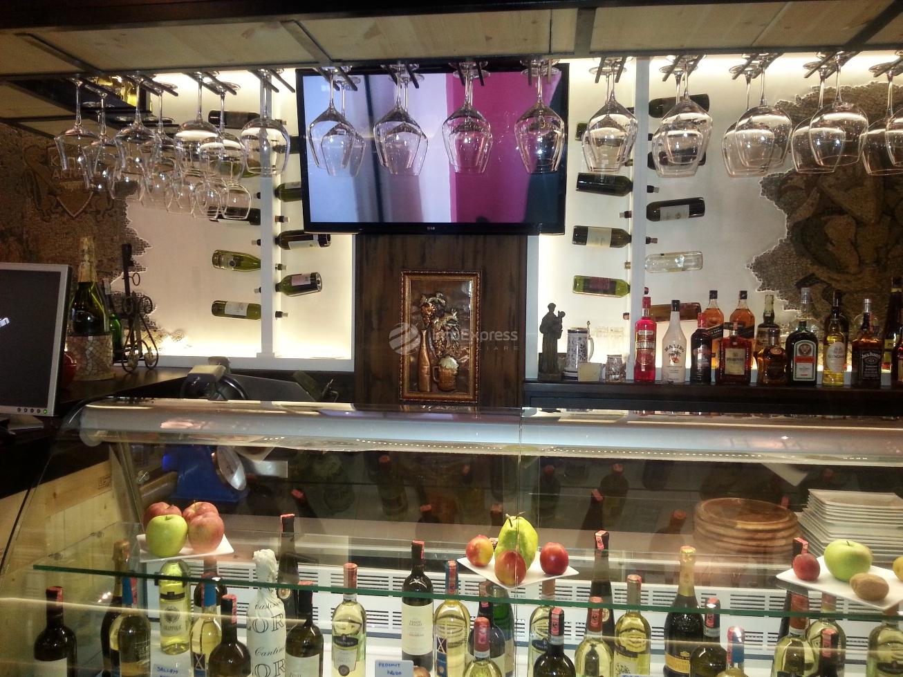 TRR-1015-282 Bar-kafe, vinoteke me qera ne Tirane te Re