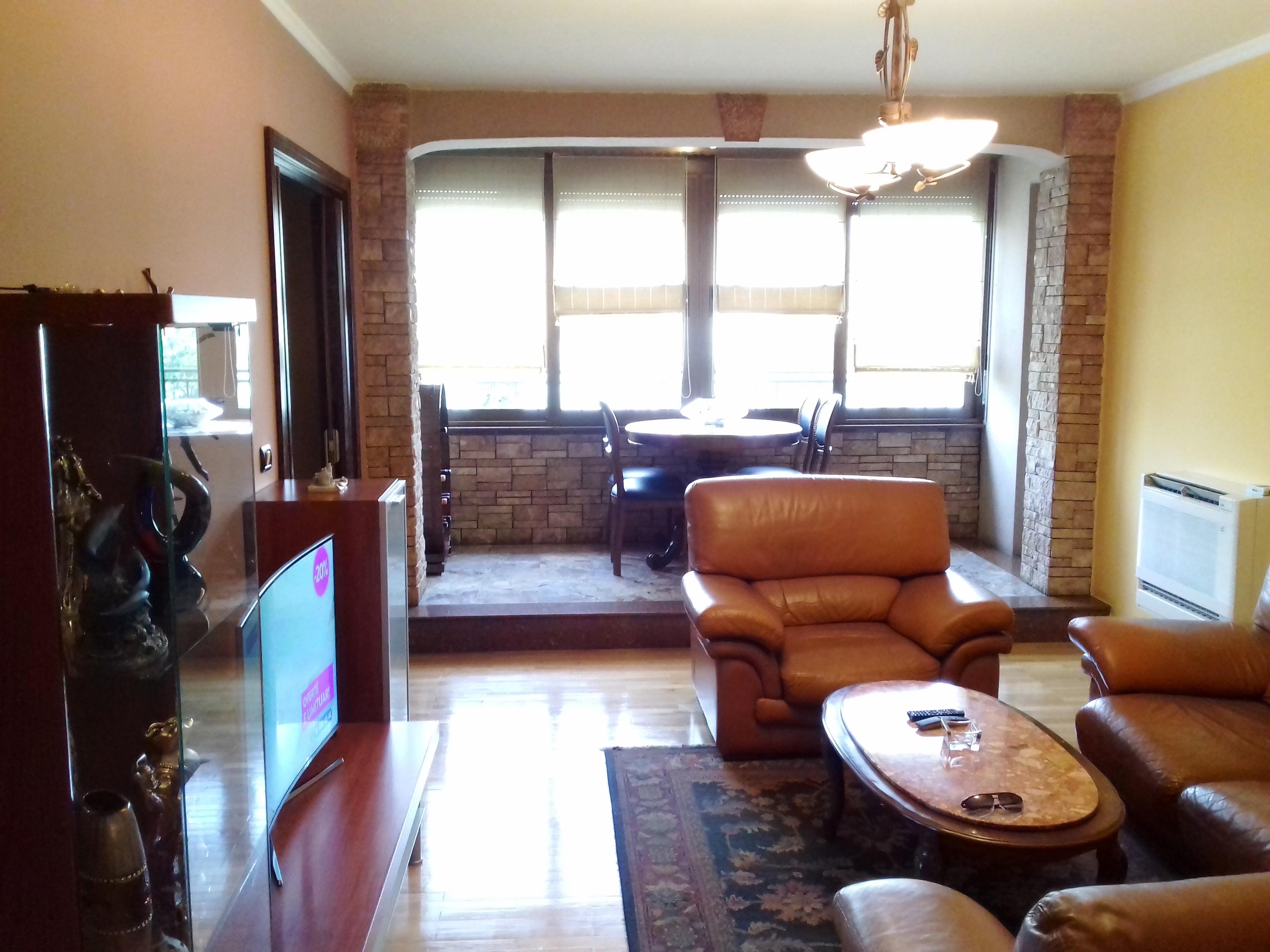 TRS-0618-1059 Shitet apartament 4+1 prapa shallvareve