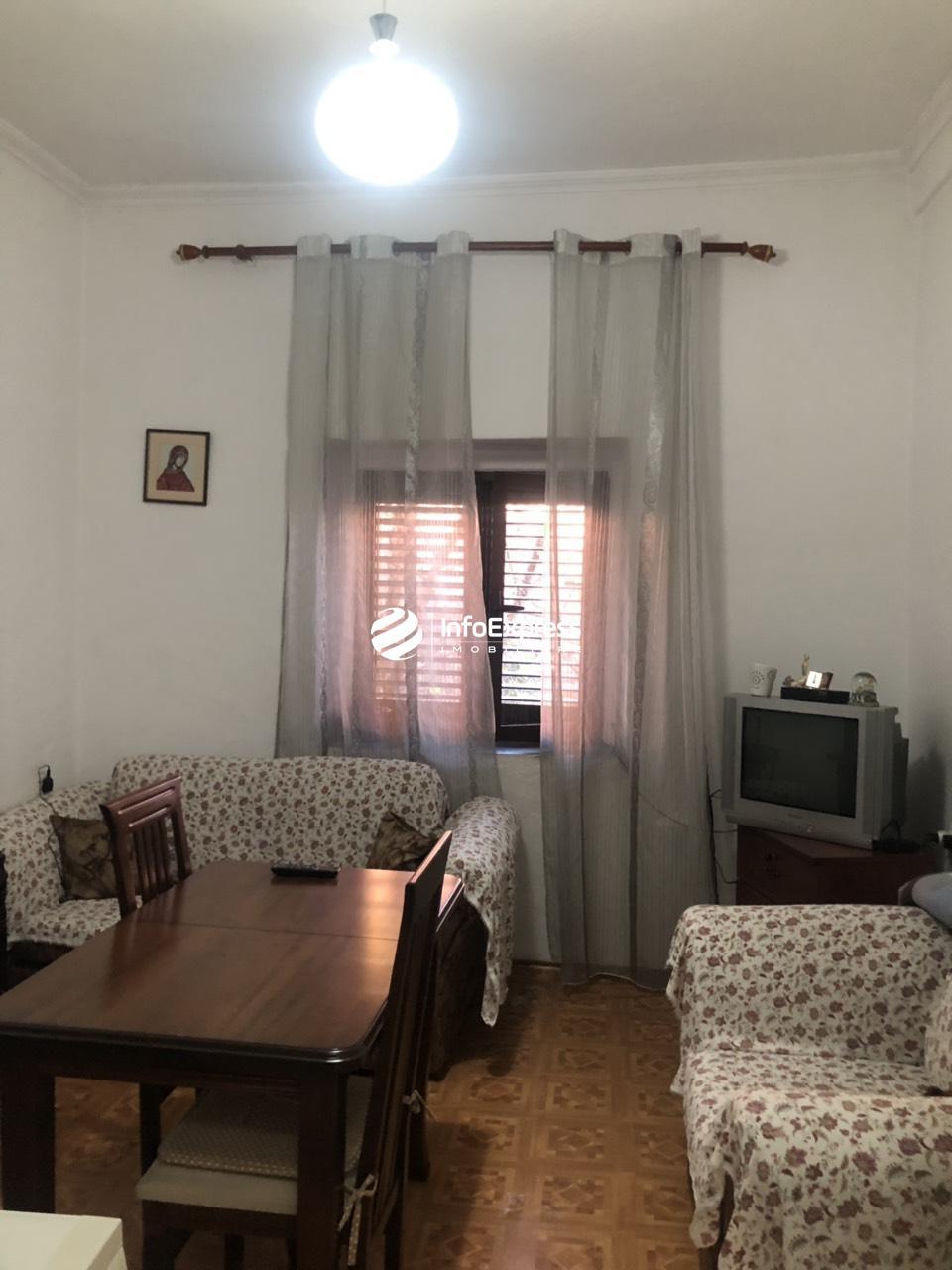 TRS-0618-1245 Shitet apartament 1+1 prane pallateve Agimi , Bllok