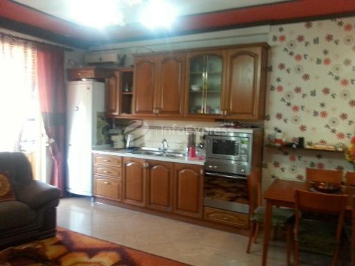 TRS-915-247 Apartament 3+1 ne shitje ne rrugen Fortuzi