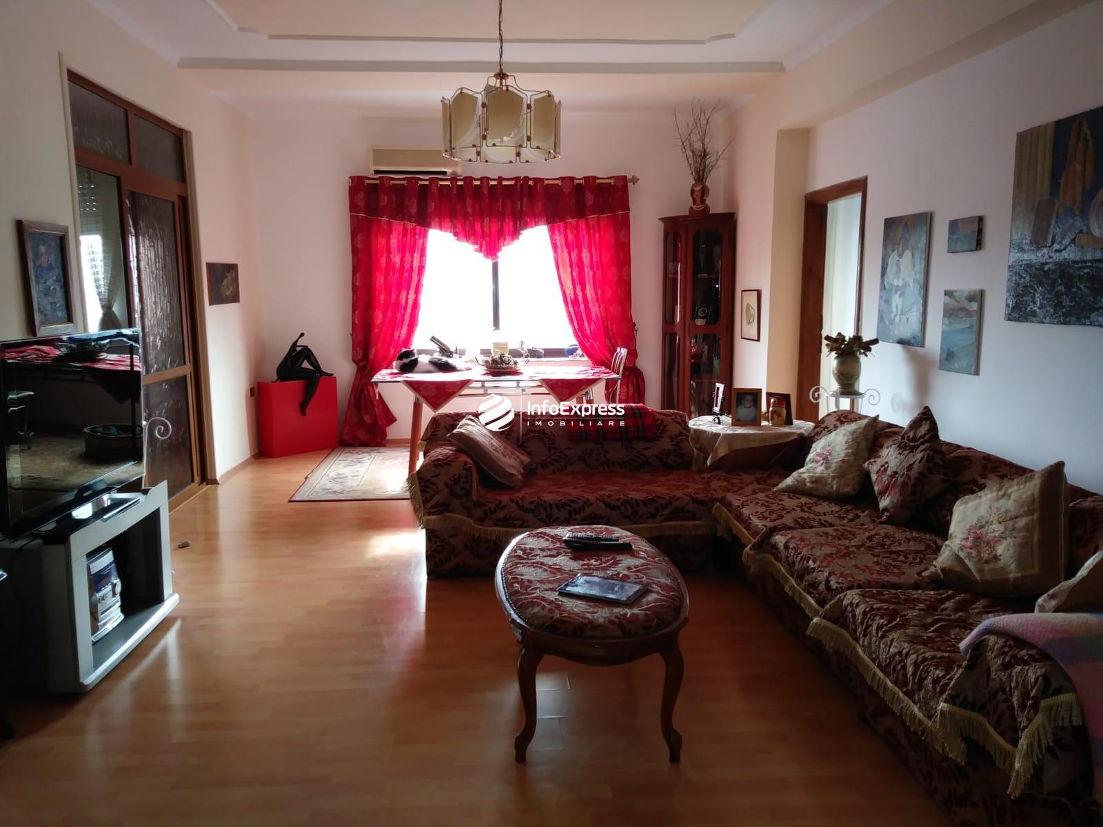 TRS-0618-1198    Shitet apartament 2+1 ne zonen e Vasil Shantos