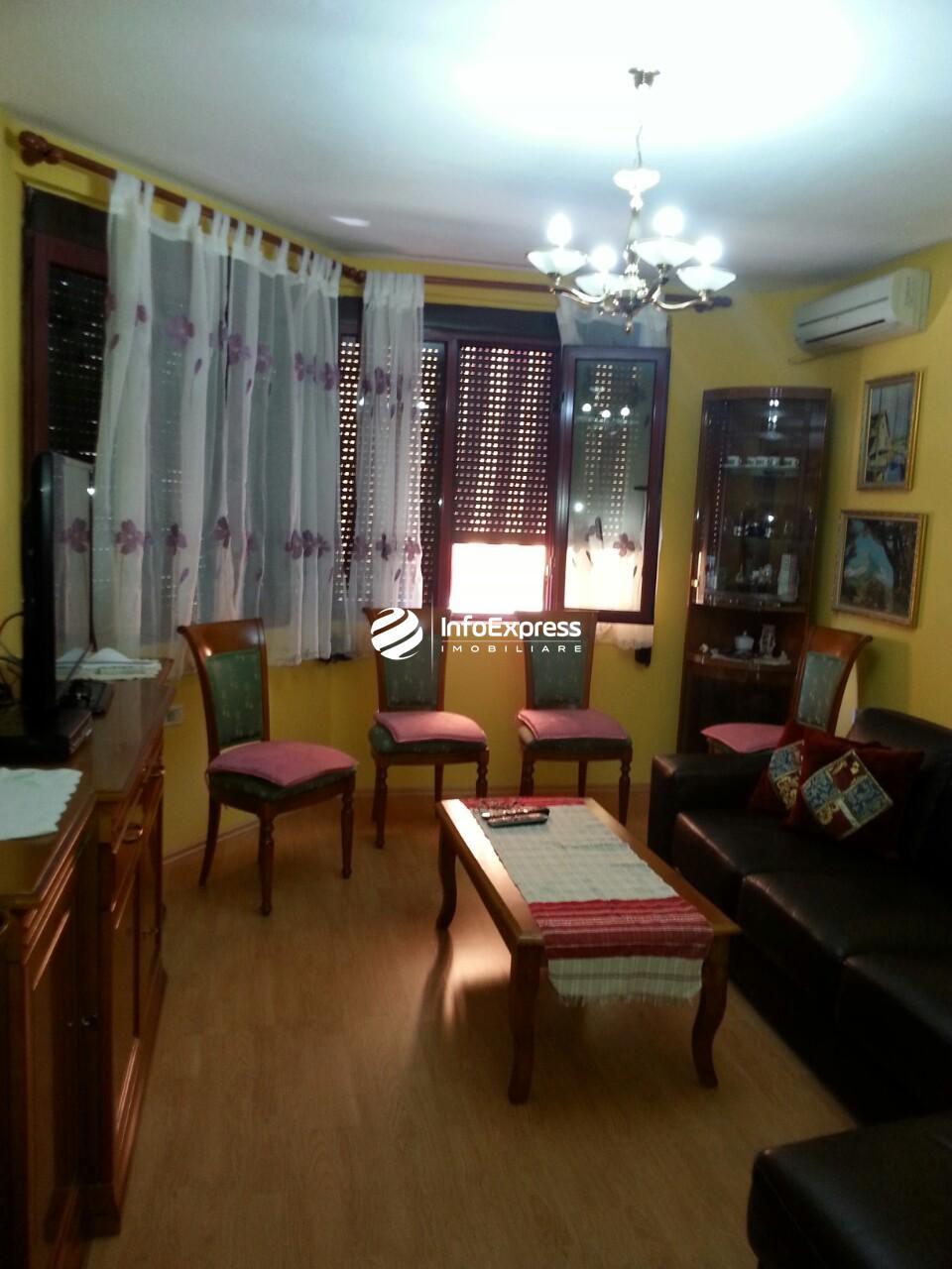 TRS-0419-1394 Shitet apartament 2+1 te Rruga e Dibres.