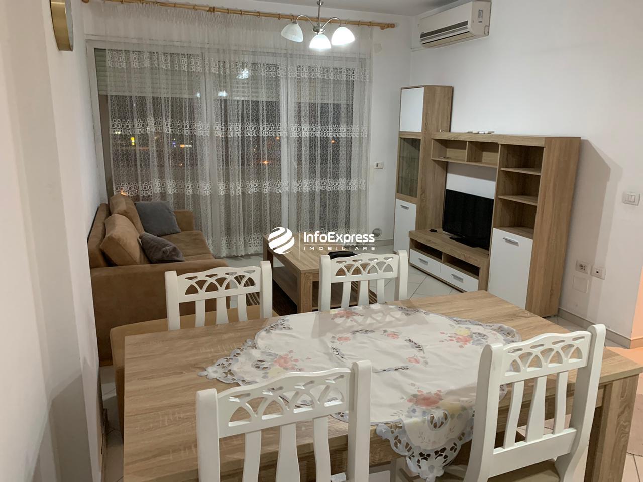 TRR-0419-1562 Jepet me qera apartament 2+1 ndodhet te rruga e Kavajes.