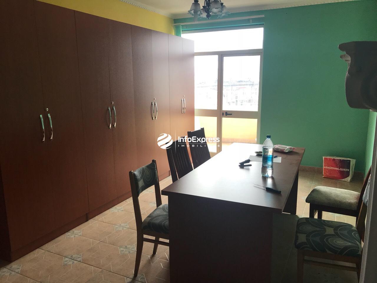 """TRS-0618-1151 Shitet apartament 2+1 tek Sheshi Avni Rustemi prane shkolles """"Fan Noli"""""""
