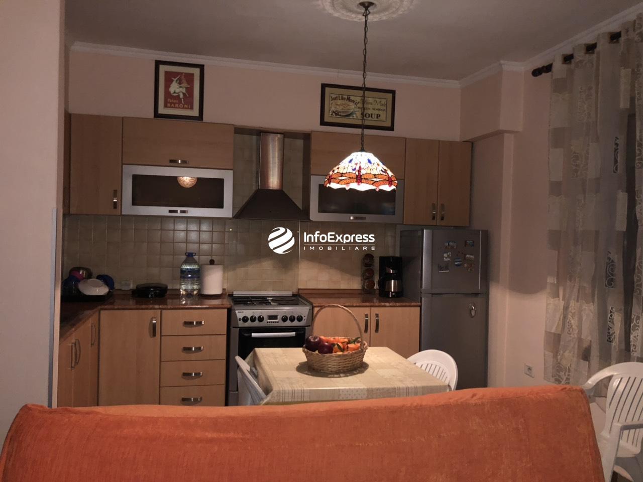 TRS-0618-1298 Shitet apartament 1+1 ne xhamllik , prane profarmes