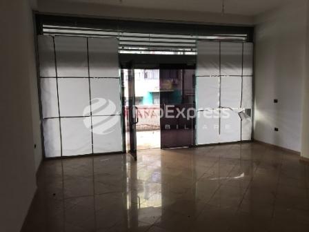 TRS-1016-562 Dyqan ne shitje ne Bulevardin Bajram Curri