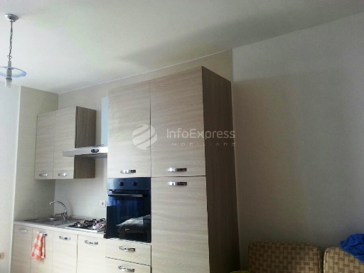 TRR-915-278 Apartament 2+1 me qera ne rrugen Muhamet Gjollesha