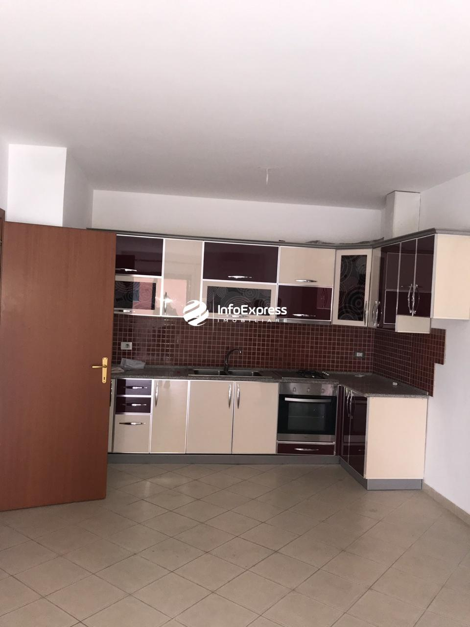 TRS-0618-1022 Shitet apartament 1+1 ndodhet ne rrugen e  rrugen  e Kavajes prane Deliorgjit
