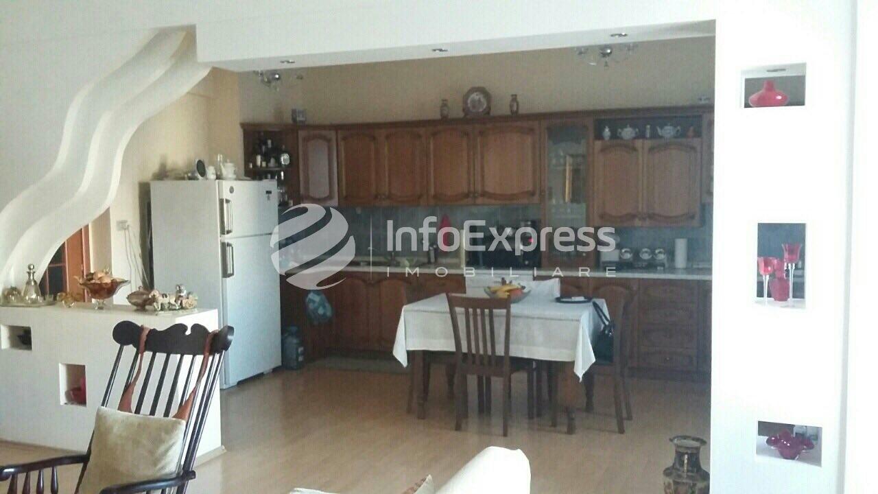 """TRS-417-679  Apartament 3+1 ne shitje te rruga """"Irfan Tomini"""""""
