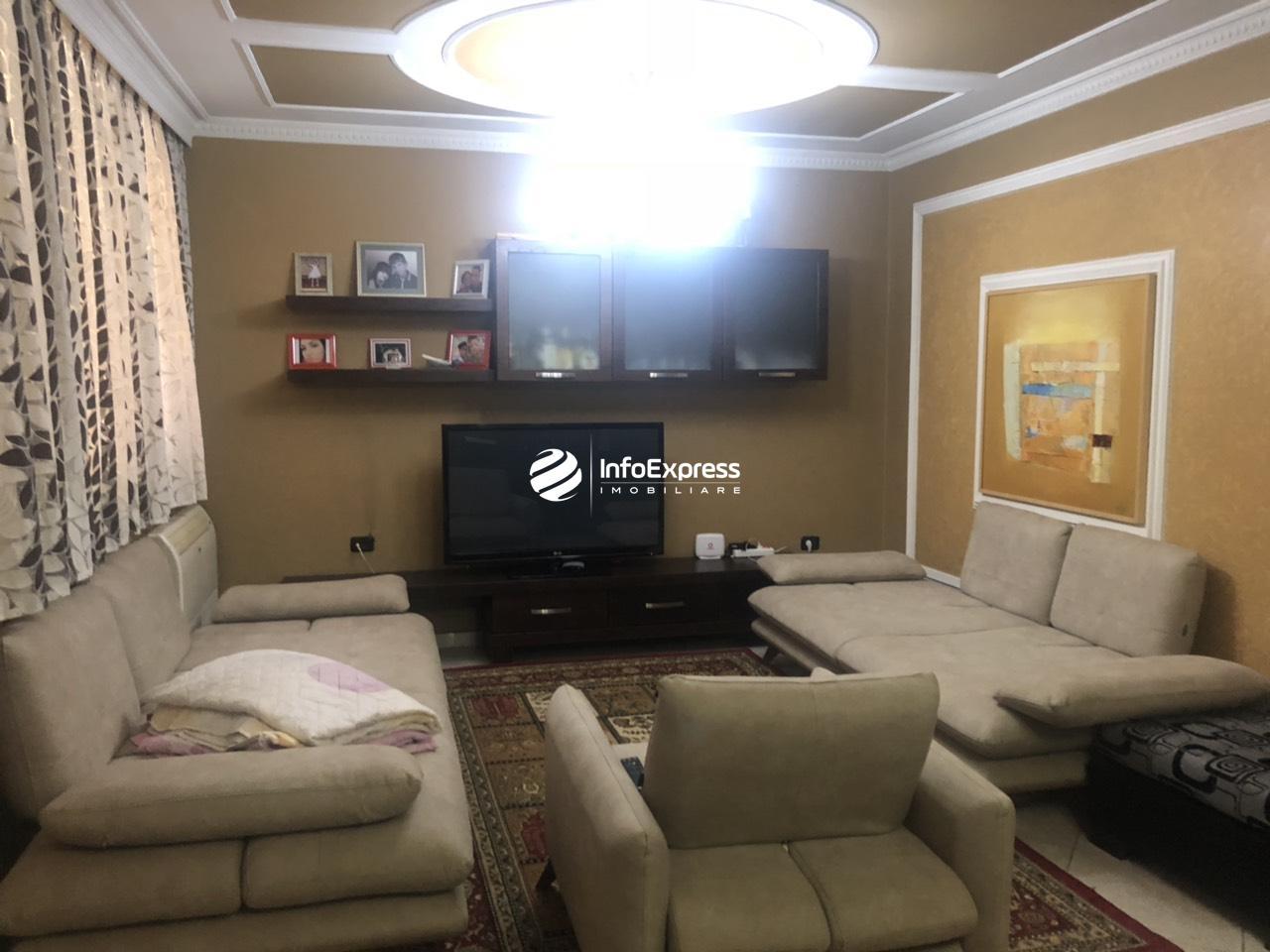 TRS-0618-1145  Shitet apartament 2+1 tek rruga e elbasanit