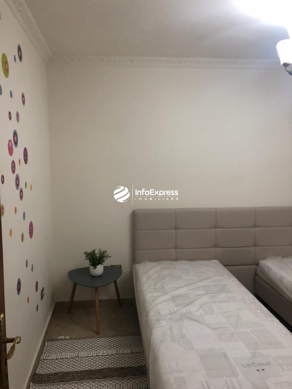 TRR-0618-1188 Jepet me qera apartament 2+1 tek bulevardi zogu i pare  perballe maternitetit