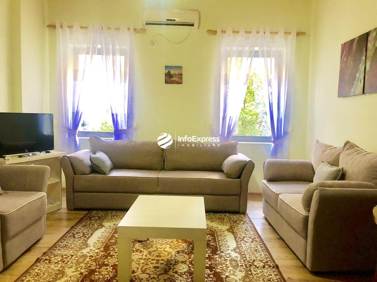TRR-0618-1303 Jepen me qera mujore , dy apartamente me siperfaqe Secila nga 65 m2,