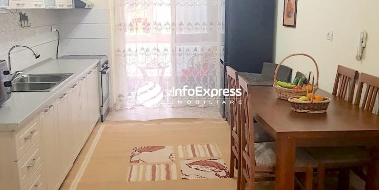 Kuzhina dhe dhoma e ngrenies - me hyrje ne ballkonin e vogel