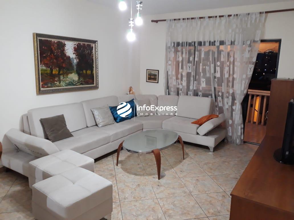 TRR-0618-1293 Jepet me qera apartament 1+1 tek Rruga Ismail Qemali