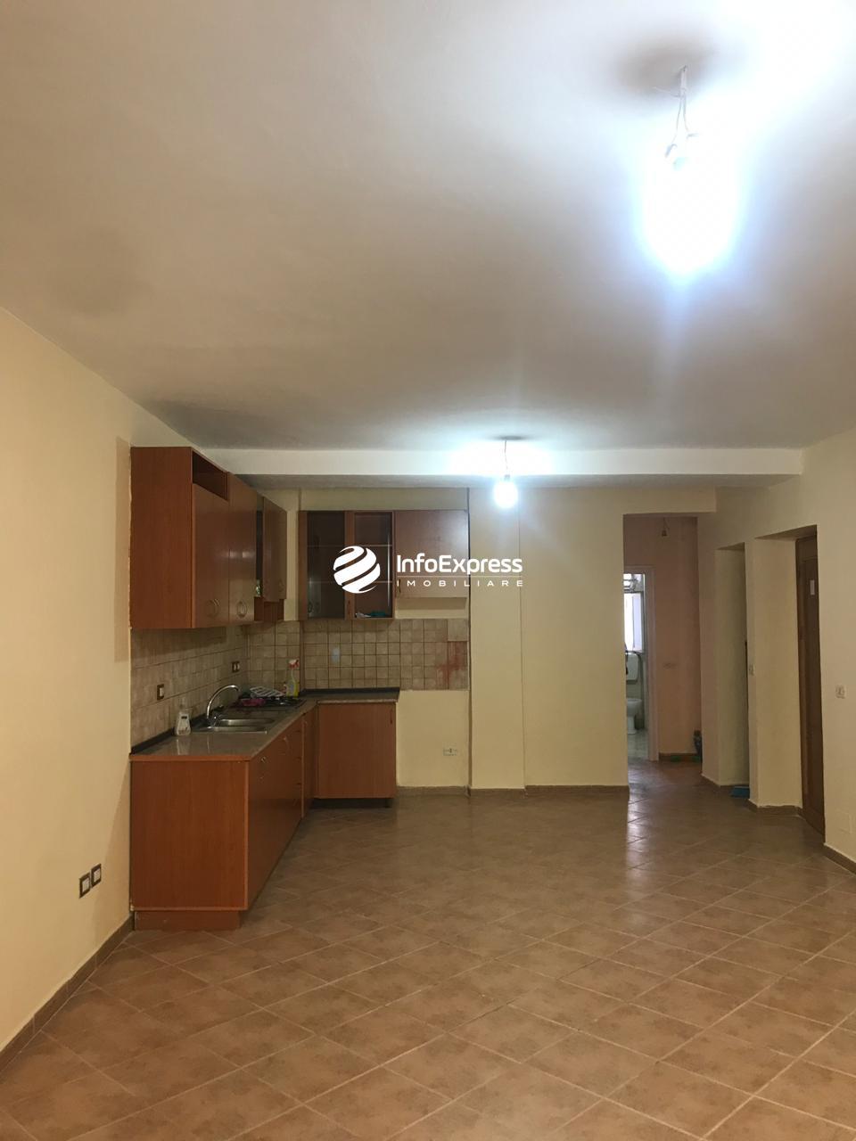 TRR-0419-1409  Jepet me qera apartament 4+1 ndodhet ne Myslym Shyri