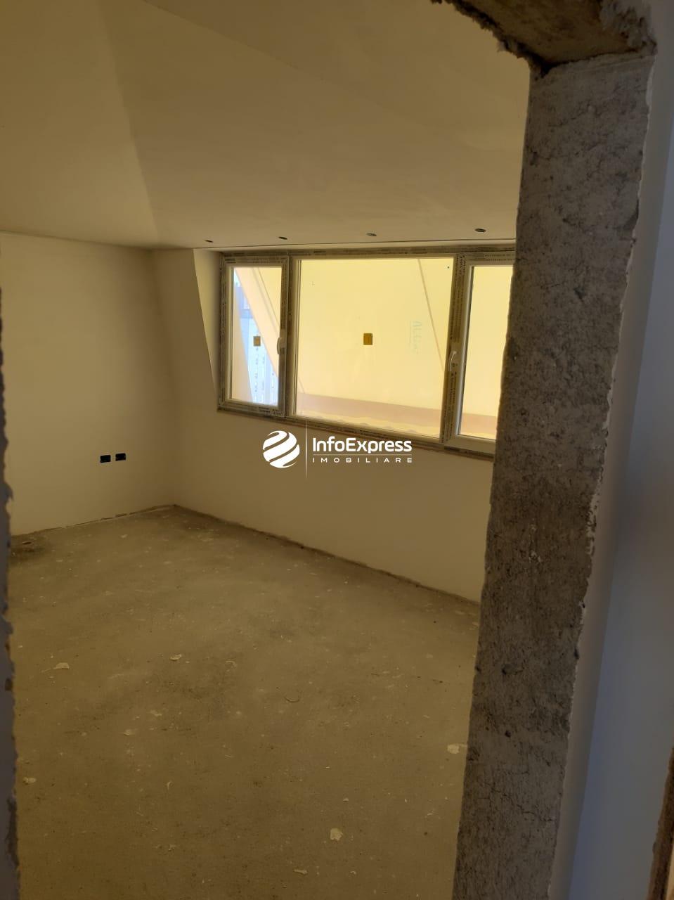 TRS-0419-1447 Shitet apartament 3+1 ndodhet te blloku i ambasadave, ne rrugen e kavajes.