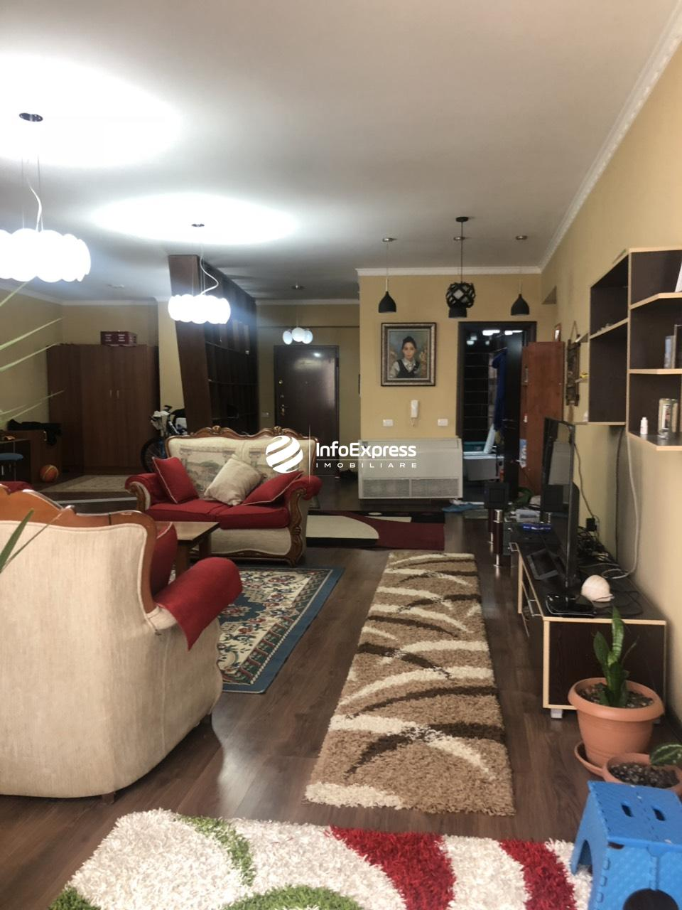 TRR-0618-1295 Jepet me qera apartament 3+1 te Komuna e Parisit, Kompleksi Kika 2