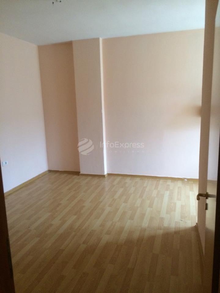 TRS-515-21 Apartament 2+1 per shitje prane Shkolles Misto Mame