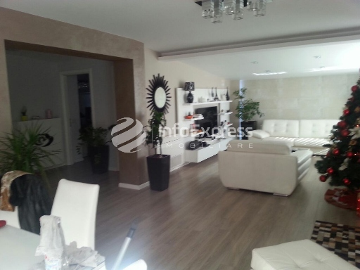TRS-1215-371 Apartament ne forme vile ne shitje ne Myslym Shyri