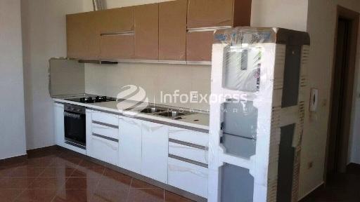 TRR-815-227 Apartament 1+1 me qera tek Farmacia 10