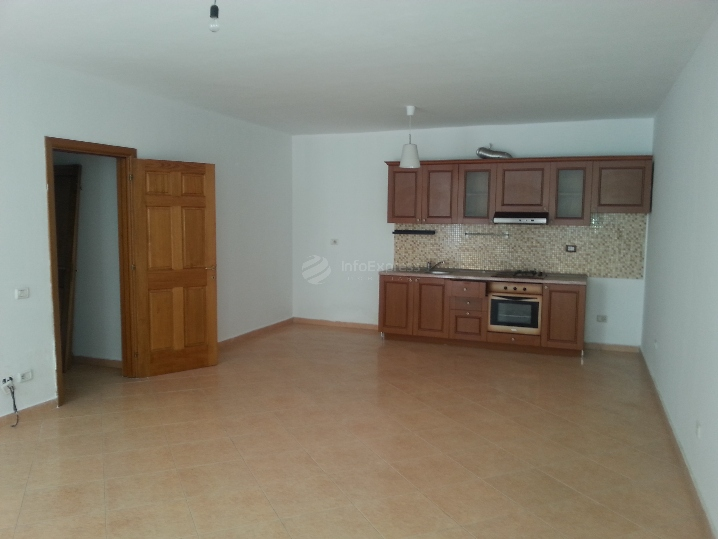 TRS-615-131 Apartament 2+1 ne shitje prane Liqenit
