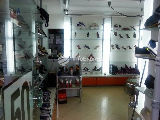 TRR-915-268 Dyqan kepucesh me qera ne Bllok