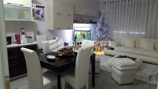 TRS-1216-598 Apartament 2+1 per shitje tek Gjykata e Tiranes