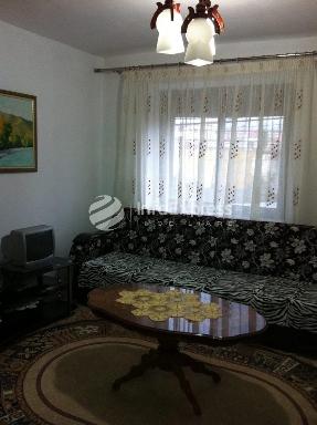 TRS-1015-308 Apartament 3+1 ne shitje prane xhamise Rusi