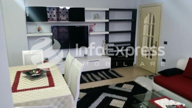TRR-916-539 Apartament 2+1 me qera ne Qender te Tiranes