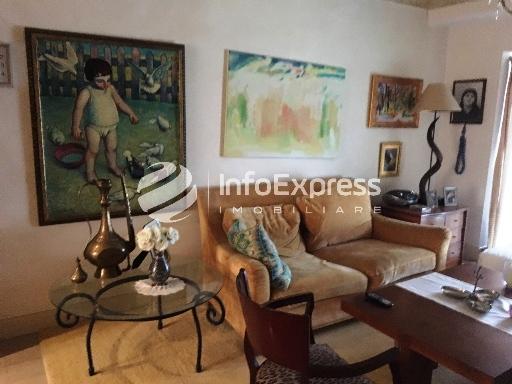 TRR-916-521 Apartament 2+1 me qera ne Qender te Tiranes