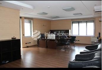 """TRR-317-632 Zyre me qera, 310 m2 prane """"Kristal Center"""""""